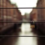 Canon EOS 500D @ ISO 100, 1/100 sec. 50mm F/2.8. Herr Olsen, http://www.flickr.com/people/herrolsen/